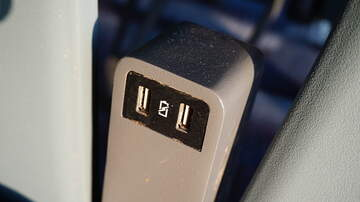 Steve Wazz - Heres Why You Should Stay Away From Airport Charging Stations