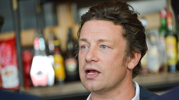 Entertainment News - Celebrity Chef Jamie Oliver's Restaurant Empire Collapses