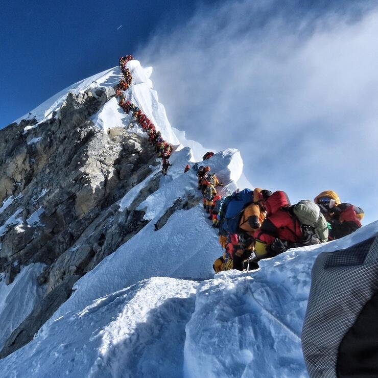 Mount everest climbers stuck in traffic jam as three people died