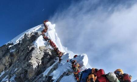Weird News - Hundreds of Climbers Create 'Traffic Jam' in Mount Everest's 'Death Zone'