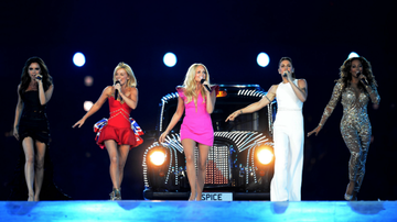 Entertainment News - Victoria Beckham Wishes The Spice Girls 'Good Luck' On Reunion Tour Kickoff