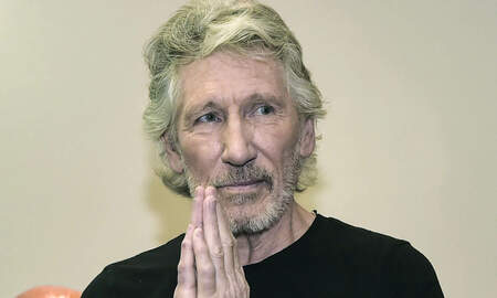 Rock News - Pink Floyd Legend Roger Waters Spotted Riding NYC Subway