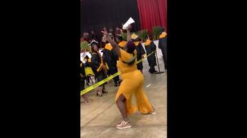 Qui West - Mother Twerks At Her Son's Graduation After His Name Was Called!