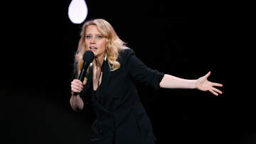 Sisanie - Watch Kate MicKinnon Trick People Into Thinking She's Reese Witherspoon
