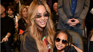 Headlines - Blue Ivy Sings 'Circle Of Life' With Beyonce In 'Lion King' Inspired Gowns