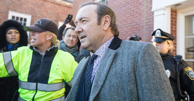 WBZ Kevin Spacey Arraigned On Sexual Assault Charge