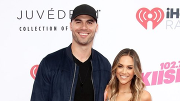 Beth Bradley - Jana Kramer Reacts to Mike Caussin's Cheating Deal Breaker Reveal: It Hurts
