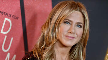 EJ - Jennifer Aniston Wants a Friends Reboot Just as Much as We Do!
