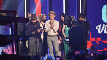 Brooke Taylor - Zac Brown Got Bleeped Out On The CMT Music Awards