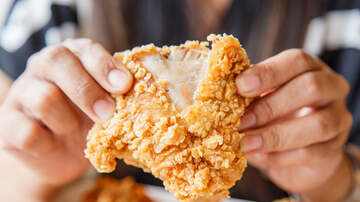 Digital Riggs - Man Gets Fried Chicken Revenge After Woman Calls Him Fat