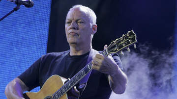 Ken Dashow - David Gilmour Hopes Guitars Sold At Auction Go To People Who Will Play Them