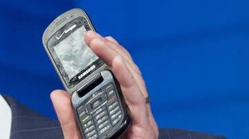 Chris Marino - Survive With a Flip Phone for a Week? Company Will Pay Someone $1000 to Try