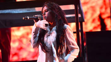 Headlines - Selena Gomez Confirms She's 'Finally Done' Recording Her New Music