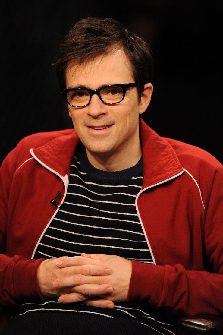 "Weezer Visits fuse TV's ""Distortion"""