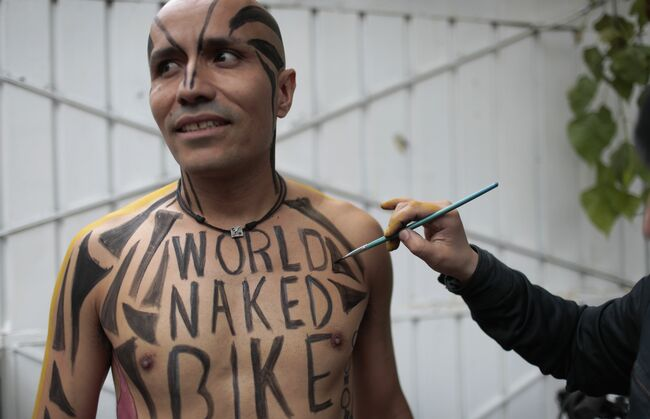 MEXICO-NAKED BIKE RIDE