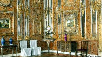 Coast to Coast AM with George Noory - Treasure Hunter Discovers Bunker Which May Contain the Legendary Amber Room