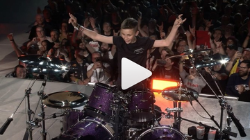Theresa - Metallica Jams With 13-Year-Old Boy On Drums (video)