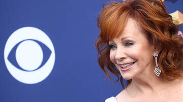 Headlines - Reba McEntire's Throwback Photo Will Give You Life
