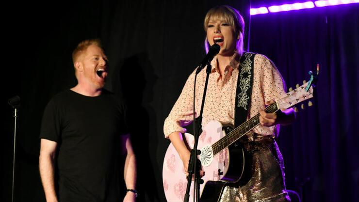 Taylor Swift Gives Surprise Performance At LGBTQ Landmark Stonewall Inn | iHeartRadio