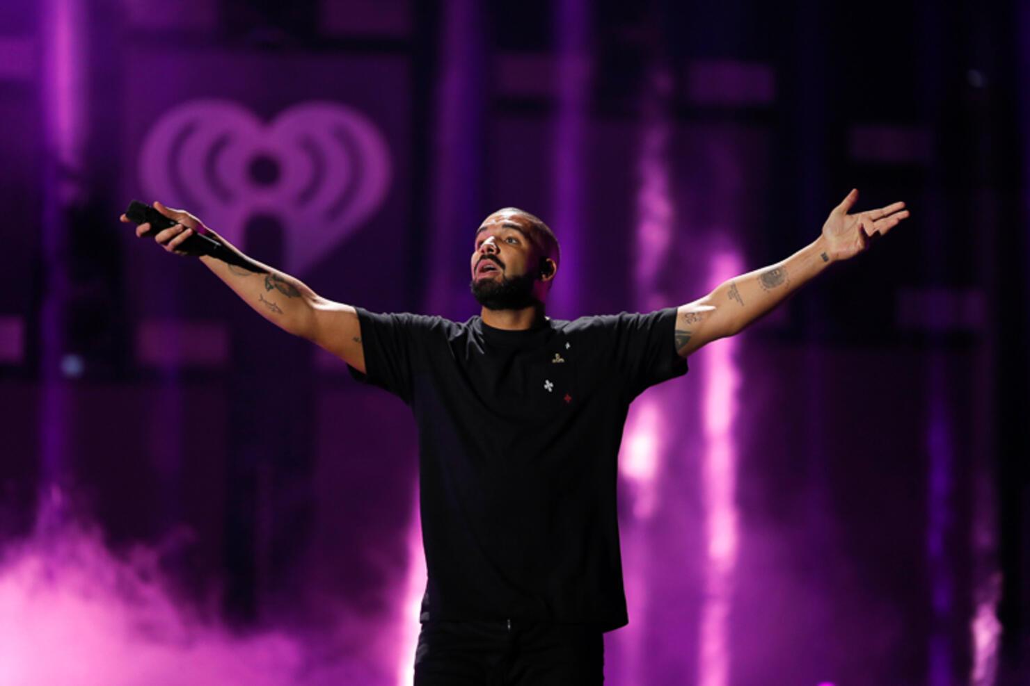 2016 iHeartRadio Music Festival - Night 1 - Show