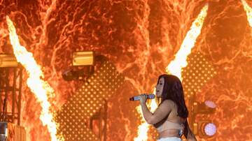Ashlee Young - Cardi B. Suffers BAD Wardrobe Malfunction Performing in TN