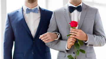 LGBT Pride News - Radio Station To Marry Same-Sex Couples After Tennessee Law Restricts
