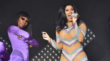 DJ A-OH - Cardi B Keeps The Show Going Even After Wardrobe Malfunction