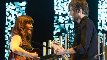 iHeartRadio Music News - Death Cab For Cutie, Jenny Lewis Perform Postal Service's 'Nothing Better'