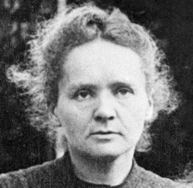 Picture dated 1908 shows Marie Curie posing with h