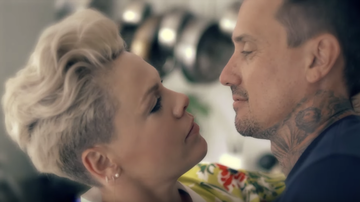Entertainment News - Pink's Husband Carey Hart Stars In Emotional '90 Days' Video: Watch