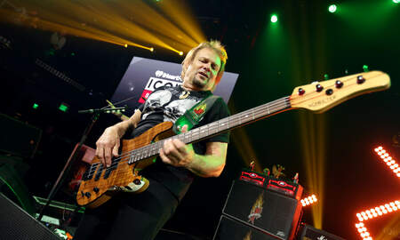 Rock News - Michael Anthony Says Van Halen Was Supposed To Be Rehearsing Right Now