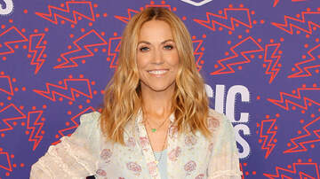 Headlines - How Many Guitars Does Sheryl Crow Own?