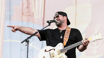 Anthony Moore - Here it is...the Pic I Promised of Me on Lee Brice's Facebook Page!!