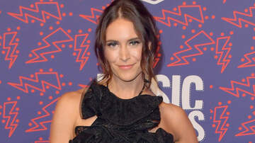 Headlines - Kelleigh Bannen's Very Extra Single 'Deluxe' Is Finally Here