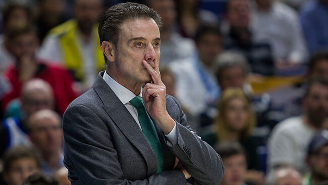 Rick Pitino during Real Madrid victory over Panathinaikos