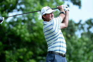 Jerry Kelly leads after first round of AmFam Championship