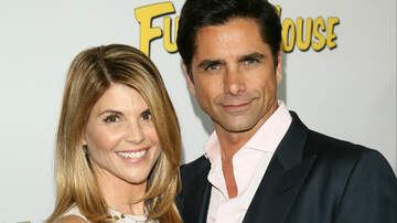 Entertainment News - John Stamos Breaks Silence On Lori Loughlin's 'Difficult' Situation