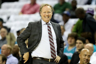 Mike Budenholzer wins NBA Coach of the Year award