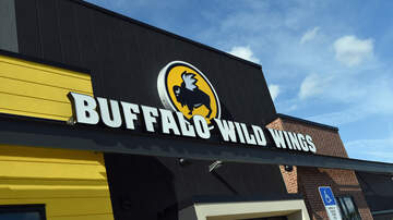 Cuzzin Dre - Rat Falls From Ceiling at Los Angeles Buffalo Wild Wings as Woman Eats!!
