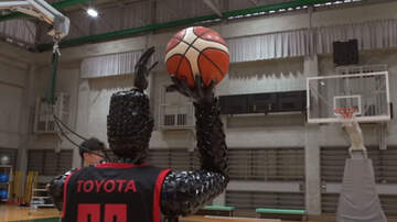 Sports Top Stories - Humanoid Robot Sets World Record For Consecutive Free Throws