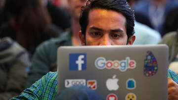 Tom Sipos - President Trump Says Tech Giants Have Anti-Conservative Bias