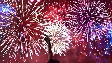 Lizz Ryals - Fireworks around the Upstate!