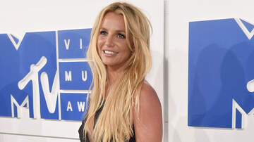 Bill Cunningham - Britney Spears Channels Iconic Music Video Look In New Instagram Post