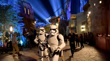 Sisanie - Visitors Are Stealing Things From 'Star Wars: Galaxy's Edge' To Sell