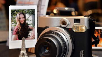 Robin - Fujifilm Releases New Instant Camera That Lets You Add Sound to Photos