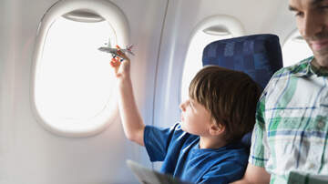 Robin - Autistic Boy Makes Friends With Seat Partner On Solo Flight
