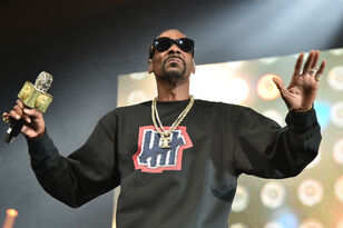 Snoop Dogg Demands USA Women's Soccer Team Get Equal Pay: 'Pay Them Girls'