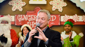 Robin Rock - Gary Sinise makes Santa proud for how he's giving back