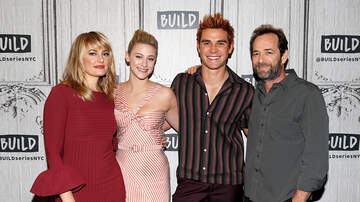 Headlines - The 'Riverdale' Cast Paid Tribute To Luke Perry At Season 4 Table Read