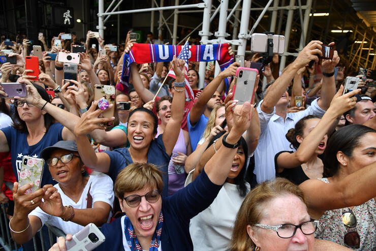 FBL-WC-2019-USA-WOMEN-PARADE